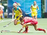 BRUSSEL - Stephanie Kershaw (Aus.) with Rocio YBARRA (SPA)     during AUSTRALIA v SPAIN , Fintro Hockey World League Semi-Final (women) . COPYRIGHT KOEN SUYK