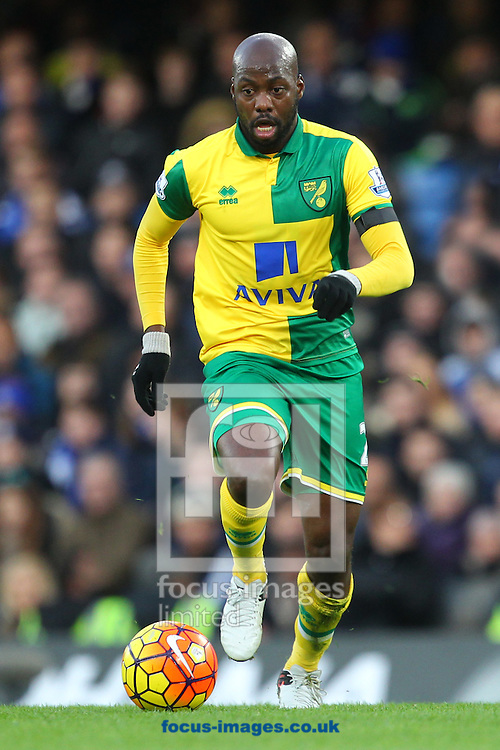 Youssouf Mulumbu of Norwich in action during the Barclays Premier League match at Stamford Bridge, London<br /> Picture by Paul Chesterton/Focus Images Ltd +44 7904 640267<br /> 21/11/2015