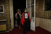 Phillipa Horan and Bobby Gillespie, The Moet and Chandon Fashion Tribute 2006 Honouring British Photographer Nick Knight. Strawberry Hill House. Twickenham. 24 October 2006. -DO NOT ARCHIVE-© Copyright Photograph by Dafydd Jones 66 Stockwell Park Rd. London SW9 0DA Tel 020 7733 0108 www.dafjones.com