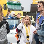 NLD/Zandvoort/20180520 - Jumbo Race dagen 2018, Olcay Gulcen in gesprek met Gravin Eloise en Graaf Claus Casimir, Gravin Leonore