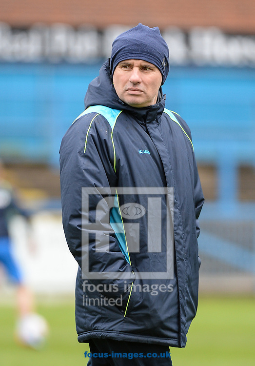 Ady Gallagher Manager of Lowestoft Town during the National League North match at the Northolme, Gainsborough<br /> Picture by Richard Land/Focus Images Ltd +44 7713 507003<br /> 16/04/2016