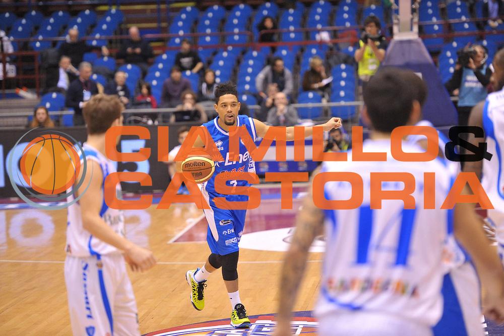 DESCRIZIONE : Milano Coppa Italia Final Eight 2013 Quarti di Finale Banco di Sardegna Sassari Enel Brindisi<br /> GIOCATORE : Scottie Reynolds<br /> CATEGORIA : Schema<br /> SQUADRA : Enel Brindisi <br /> EVENTO : Beko Coppa Italia Final Eight 2013<br /> GARA : Banco di Sardegna Sassari Enel Brindisi<br /> DATA : 08/02/2013<br /> SPORT : Pallacanestro<br /> AUTORE : Agenzia Ciamillo-Castoria/V.Tasco<br /> Galleria : Lega Basket Final Eight Coppa Italia 2013<br /> Fotonotizia : Milano Coppa Italia Final Eight 2013 Quarti di Finale Banco di Sardegna Sassari Enel Brindisi<br /> Predefinita :