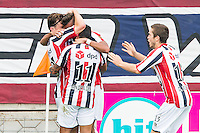 TILBURG - Willem II - Vitesse , Voetbal , Seizoen 2015/2016 , Eredivisie , Koning Willem II Stadion , 09-08-2015 , Willem II speler Erik Falkenburg (l) scoort de 1-0 en viert dit met o.a. Willem II speler Bruno Andrade (l) en Willem II speler Dries Wuytens (r)