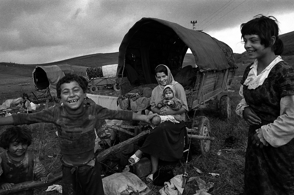 Title: Only 10 to 15 percent of Romania's Gypsies are still able to lead a nomadic life. Transylvania August 1996.