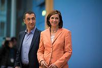 DEU, Deutschland, Germany, Berlin, 25.09.2017: Cem Özdemir und Katrin Göring-Eckardt (Die Grünen) in der Bundespressekonferenz zu den Ergebnissen der Bundestagswahlen.