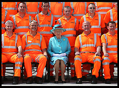 JUL 17 2014 The Queen opens Reading Railway Station