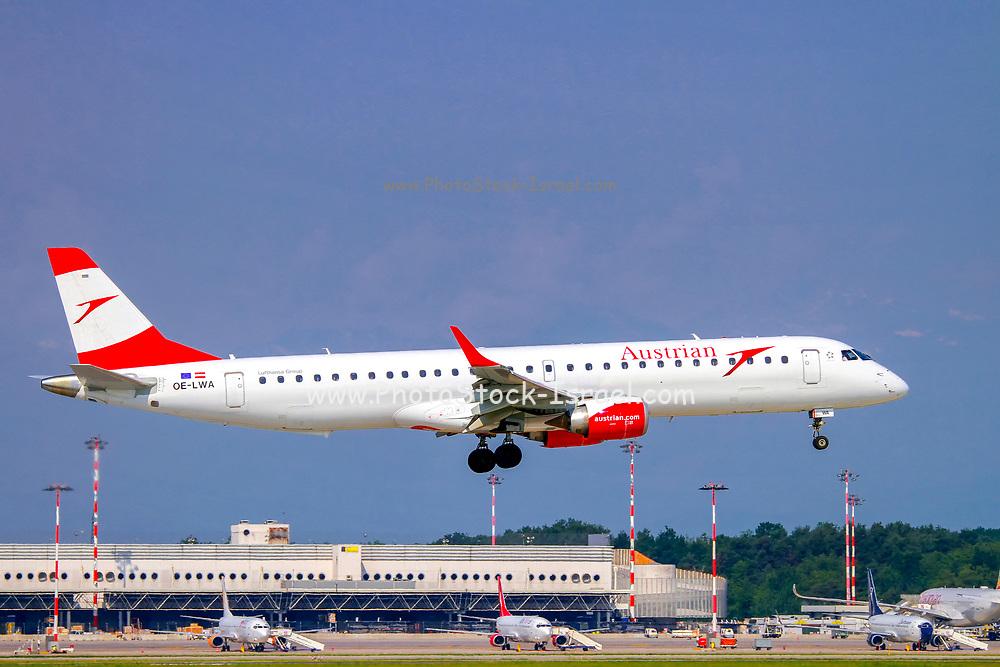 Austrian Airlines Embraer ERJ-195LR (Embraer 190-195) OE-LWA at Malpensa (MXP / LIMC), Milan, Italy