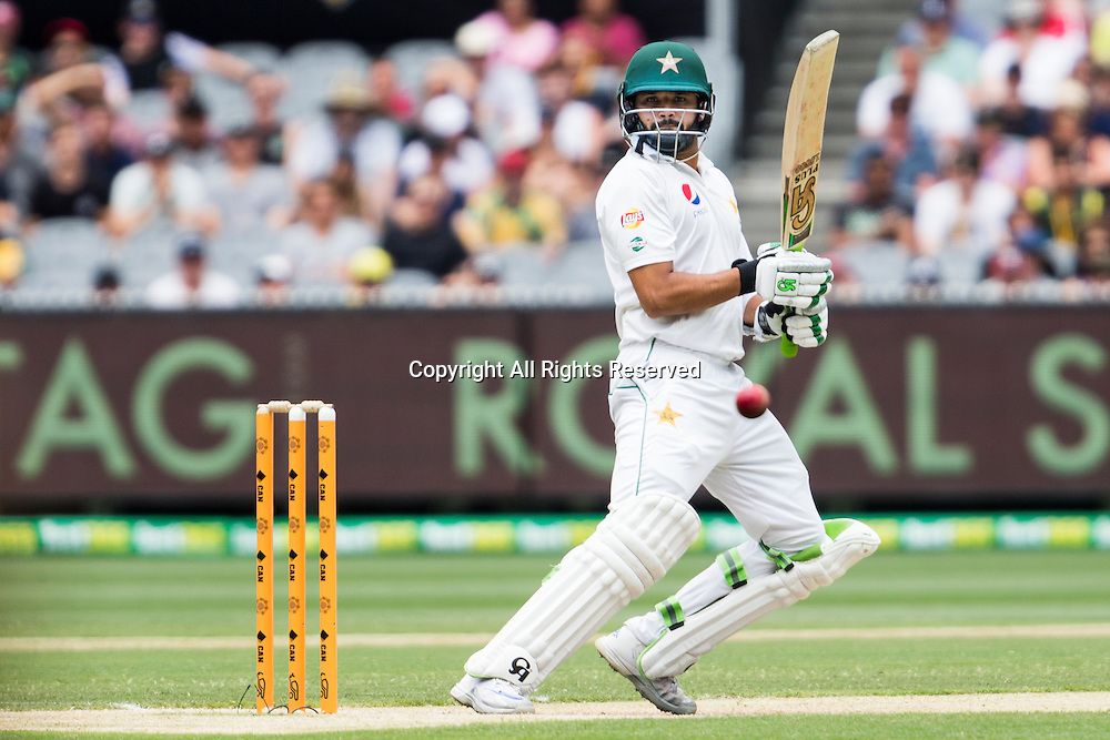 28.12.2016. MCG, Melbourne. Commonwealth Bank Test cricket Series, Day 3, Australia versus Pakistan Boxing Day test. Azhar Ali  batting