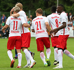 21.06.2016, Sportplatz, Bischofshofen, AUT, Testspiel, FC Red Bull Salzburg vs SK Slavia Prag, im Bild der Jubel der Salzburger nach dem 1:0 durch Marc Rzatkowski (FC Red Bull Salzburg) // during a international friendly football match between FC Red Bull Salzburg and SK Slavia Praha at the Sportplatz, Bischofshofen, Austria on 2016/06/21. EXPA Pictures © 2016, PhotoCredit: EXPA/ Martin Huber
