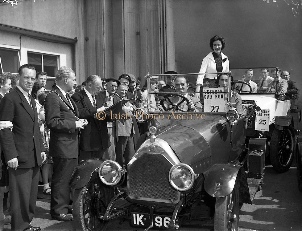 Veteran Car Run from Donnybrook to Bray .28/06/1958 .