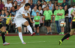 26.07.2015, Prien am Chiemsee, GER, Testspiel, FC Augsburg vs Norwich City, im Bild Dong-Won Ji (FC Augsburg #22), Torschuss // during the International Friendly Football Match between FC Augsburg and Norwich City in Prien am Chiemsee, Germany on 2015/07/26. EXPA Pictures © 2015, PhotoCredit: EXPA/ Eibner-Pressefoto/ Krieger<br /> <br /> *****ATTENTION - OUT of GER*****
