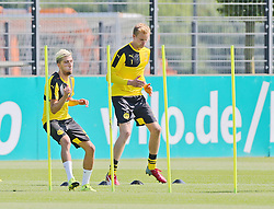 30.06.2015, Trainingsanlage, Dortmund, GER, 1. FBL, Borussia Dortmund, Trainingsauftakt, im Bild v.l. Kevin Kampl (Dortmund) und Hendrik Bonmann (Dortmund) beim Lauftraining // during a traning session of German 1st Bundeliga Club Borussia Dortmund at Trainingsanlage Borussia Dortmund in Dortmund, Germany on 2015/06/30. EXPA Pictures © 2015, PhotoCredit: EXPA/ Eibner-Pressefoto/ Hommes<br /> <br /> *****ATTENTION - OUT of GER*****