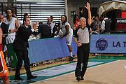 DESCRIZIONE : Siena Lega A 2011-12 Bancatercas Teramo Montepaschi Siena<br /> GIOCATORE : Simone Pianigiani<br /> CATEGORIA : coach mani arbitro<br /> SQUADRA : Montepaschi Siena<br /> EVENTO : Campionato Lega A 2011-2012<br /> GARA : Montepaschi Siena Virtus Roma<br /> DATA : 05/11/2011<br /> SPORT : Pallacanestro<br /> AUTORE : Agenzia Ciamillo-Castoria/GiulioCiamillo<br /> Galleria : Lega Basket A 2011-2012<br /> Fotonotizia : Siena Lega A 2011-12 Montepaschi Siena Virtus Roma<br /> Predefinita :