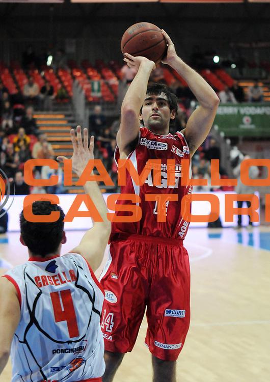 DESCRIZIONE : Piacenza Campionato Lega Basket A2 2011-12 Morpho Basket Piacenza Aget Service Imola<br /> GIOCATORE : Davide Bruttini<br /> SQUADRA : Aget Service Imola<br /> EVENTO : Campionato Lega Basket A2 2011-2012<br /> GARA : Morpho Basket Piacenza Aget Service Imola<br /> DATA : 12/12/2011<br /> CATEGORIA : Tiro<br /> SPORT : Pallacanestro <br /> AUTORE : Agenzia Ciamillo-Castoria/L.Lussoso<br /> Galleria : Lega Basket A2 2011-2012 <br /> Fotonotizia : Piacenza Campionato Lega Basket A2 2011-12 Morpho Basket Piacenza Aget Service Imola<br /> Predefinita :