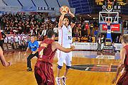 DESCRIZIONE : Venezia Lega A2 2009-10 Umana Reyer Venezia Riviera Solare Rimini<br /> GIOCATORE : Carlton Mayers<br /> SQUADRA : Riviera Solare Rimini <br /> EVENTO : Campionato Lega A2 2009-2010<br /> GARA : Umana Reyer Venezia Riviera Solare Rimini<br /> DATA : 09/12/2009<br /> CATEGORIA : Tiro<br /> SPORT : Pallacanestro <br /> AUTORE : Agenzia Ciamillo-Castoria/M.Gregolin<br /> Galleria : Lega Basket A2 2009-2010 <br /> Fotonotizia : Venezia Campionato Italiano Lega A2 2009-2010 Umana Reyer Venezia Riviera Solare Rimini<br /> Predefinita :