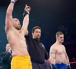 December 29, 2006 - Uncasville, CT - The Silverback's Mike Ciesnelovicz defeats the Wolfpack's Aaron Stark via guillotine choke in the 3rd round of their bout at the Mohegan Sun in Uncasville, CT.  In the team finals the Silverbacks defeated the Wolfpack 4-1 to capture the IFL team title.