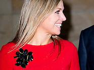 Koningin Maxima samen met minister-president Mark Rutte en president van De Nederlandsche Bank Klaas