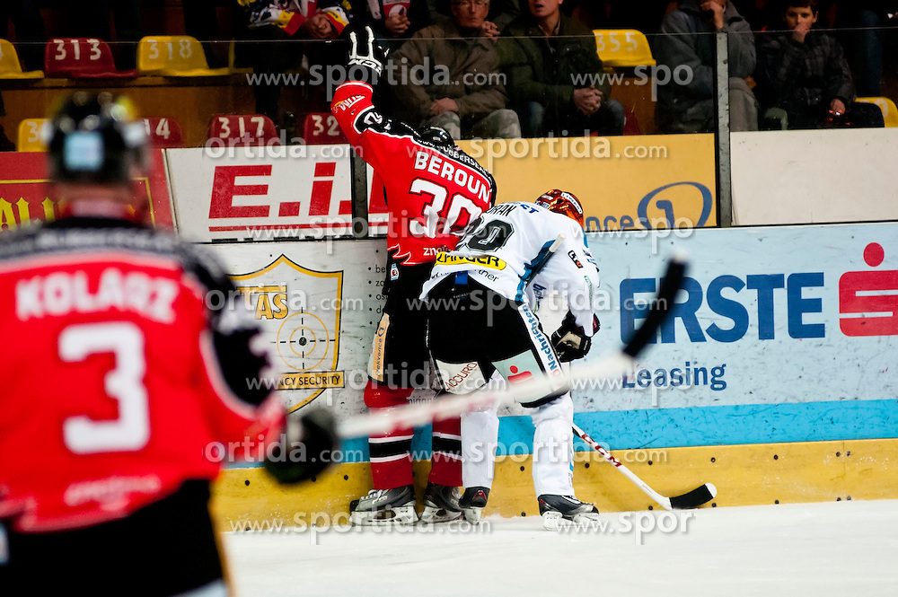 26.12.2013, Hostan Arena, Zneim, CZE, EBEL, HC Orli Znojmo vs EHC Black Wings Linz, 58. Runde, im Bild Jiri Beroun (HC Orli Znojmo #30) Brad Moran (Linz #20) // Jiri Beroun (HC Orli Znojmo #30) Brad Moran (Linz #20) during the Erste Bank Icehockey League 58th round match between HC Orli Znojmo and EHC Black Wings Linz at the Hostan Arena in Zneim, Czech Republic on 2013/12/26. EXPA Pictures © 2013, PhotoCredit: EXPA/ Rostislav Pfeffer