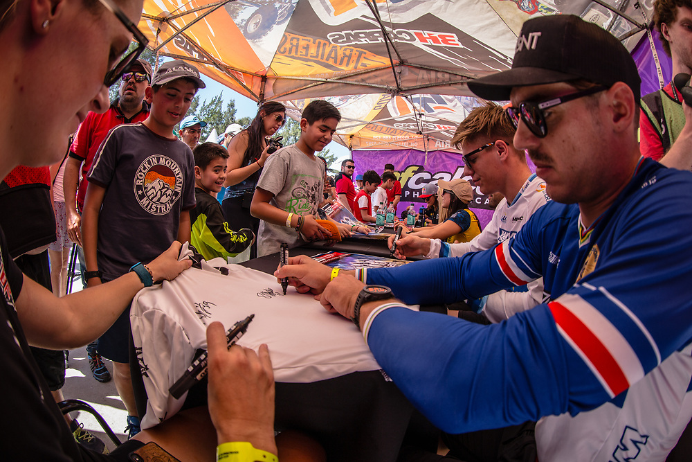 #3 (ANDRE Sylvain) FRA signing autographs during Round 9 of the 2019 UCI BMX Supercross World Cup in Santiago del Estero, Argentina