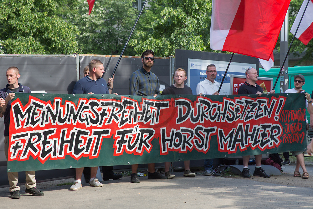 Berlin, Germany - 28.05.2017<br /> <br /> Neo-Nazi rally in front of the Hungarian Embassy for the release of Horst Mahler. Mahler traveled to Hungary, where he wanted to apply for asylum in order to escape a prison sentence in Germany. On the basis of a European arrest warrant, Mahler was arrested in the Hungarian border town Sopron.<br /> <br /> Neo-Nazi Kundgebung vor der ungarischen Botschaft fuer die Freilassung von Horst Mahler. Mahler reiste nach Ungarn, wo er Asyl beantragen wollte um einer Haftstrafe in Deutschland zu entgehen. Aufgrund eines europaeischen Haftbefehl wurde Mahler in der westungarischen Grenzstadt Sopron festgenommen.<br /> <br /> Photo: Bjoern Kietzmann