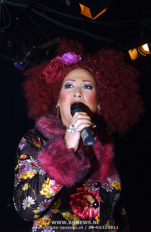 Presentatie boek Ruud Bernard, zangeres Miss