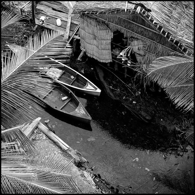 Serie: DIARIOS VISUALES / VISUAL DIARIES<br /> Photography by Aaron Sosa<br /> Venezuela 2009<br /> (Copyright &copy; Aaron Sosa)