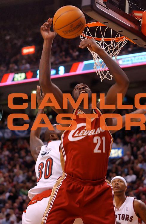 DESCRIZIONE : Toronto NBA 2009-2010 Toronto Raptors Cleveland Cavaliers<br /> GIOCATORE : J J Hickson<br /> SQUADRA : Toronto Raptors Cleveland Cavaliers<br /> EVENTO : Campionato NBA 2009-2010 <br /> GARA : Toronto Raptors Cleveland Cavaliers<br /> DATA : 26/02/2010<br /> CATEGORIA :<br /> SPORT : Pallacanestro <br /> AUTORE : Agenzia Ciamillo-Castoria/V.Keslassy<br /> Galleria : NBA 2009-2010<br /> Fotonotizia : Toronto NBA 2009-2010 Toronto Raptors Cleveland Cavaliers<br /> Predefinita :