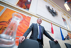 21.03.2018, Hofburg, Wien, AUT, Parlament, Sitzung des Nationalrates mit Budgetrede des Finanzministers für das Doppelbudget 2018 und 2019, im Bild Sport- und Verteidigungsminister Mario Kunasek (FPÖ) // Austrian Minister for Defence and Sports Mario Kunasek during meeting of the National Council of austria with the presentation of the Austrian government budget for 2018 and 2019 at Hofburg palace in Vienna, Austria on 2018/03/21, EXPA Pictures © 2018, PhotoCredit: EXPA/ Michael Gruber