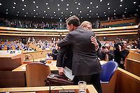 Den Haag, 26 januari 2017 -  Minister Ard van der Steur en Premier Mark Rutte nadat hij bekend maakte dat hij aftreed tijdens het debat in de Tweede Kamer over de Teevendeal.<br /> Foto: Phil Nijhuis