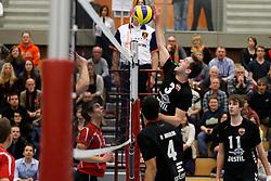 09-02-2013 VOLLEYBAL: EREDIVISIE TILBURG STV - FLOOREVER KAMPEN : TILBURG<br /> Bart van Garderen valt zelf aan, Tilburg STV<br /> ©2013-FotoHoogendoorn.nl / Pim Waslander