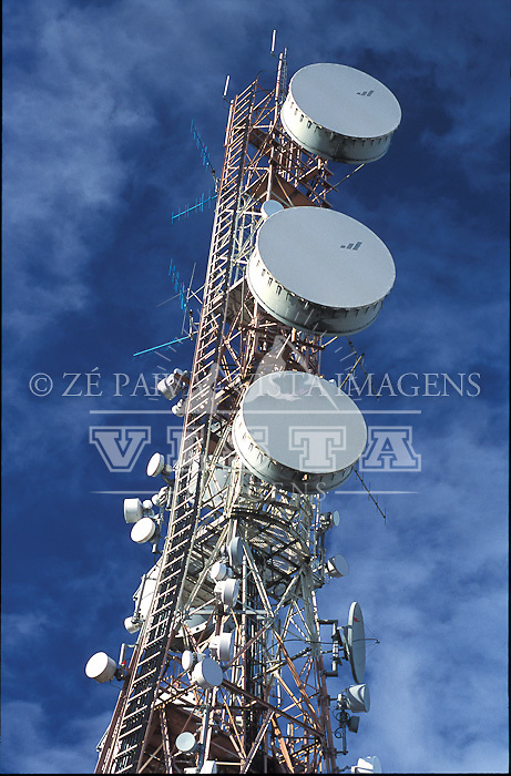Torre de tele comunicacoes, foto de Ze Paiva/Vista Imagens