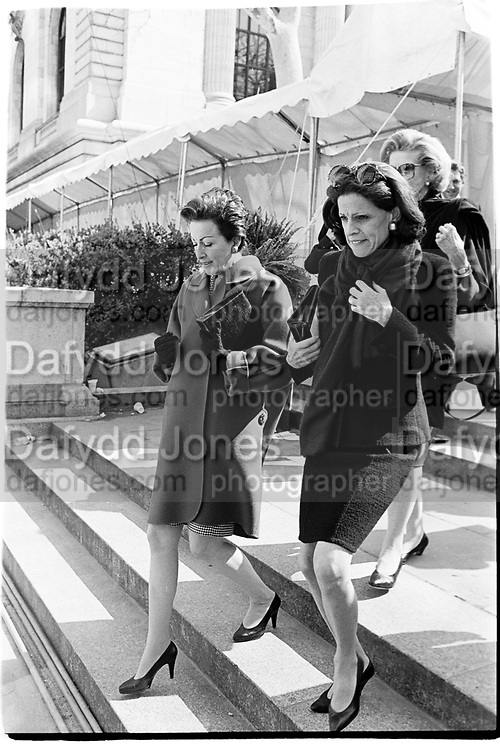Mercedes Bass and  Annette de la Renta at memorial service, New York 1995© Copyright Photograph by Dafydd Jones 66 Stockwell Park Rd. London SW9 0DA Tel 020 7733 0108 www.dafjones.com