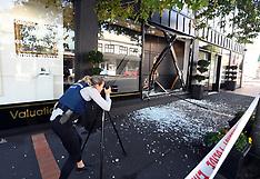 Auckland-Ram raid at Parnell Art Gallery