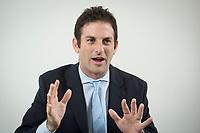 10 NOV 2015, BERLIN/GERMANY:<br /> Jared Cohen, Director Google Ideas, waehrend einem Interview, Telefonica Hauptstadtrepraesentanz<br /> IMAGE: 20151110-01-016