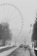 France. paris. 8th district. Cours de la reine , Paris under the snow / paris sous la neige en hiver