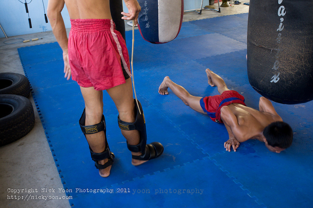 Khanomtom 62 is a small Muay Thai (Thai KickBoxing) gym in central Bangkok.