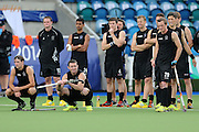 New Zealand players look on in the shoot-outs during the bronze medal match between New Zealand and England. Glasgow 2014 Commonwealth Games. Hockey, Bronze Medal Match, Black Sticks Men v England, Glasgow Green Hockey Centre, Glasgow, Scotland. Sunday 3 August 2014. Photo: Anthony Au-Yeung / photosport.co.nz