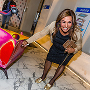NLD/Amsterdam//20170410 - Free a Girl Celebrity Night, Patty Brard signeert bakfiets