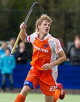 AERDENHOUT - 07-04-2012 - Dennis Warmerdam, zaterdag tijdens de wedstrijd tussen Nederland Jongens A en Engeland Jongens A (3-4), tijdens het Volvo 4-Nations Tournament op de velden van Rood-Wit in Aerdenhout.
