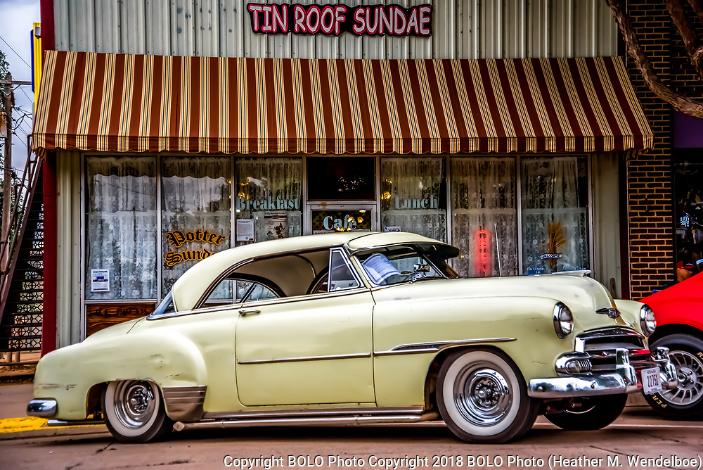 Chillin' at the Home of the Tin Roof Sundae <br />
