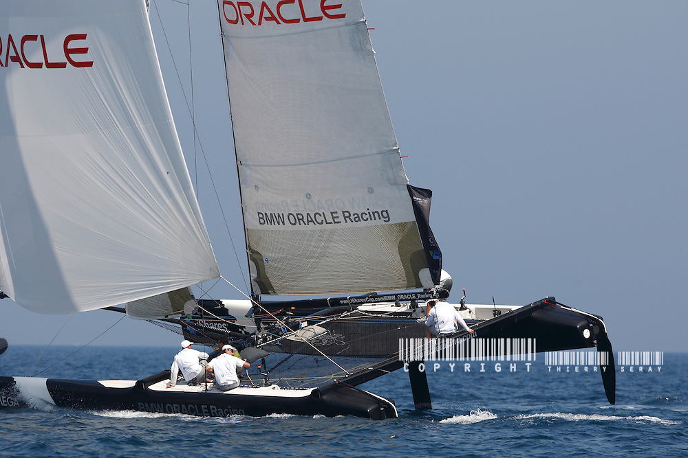 iSHARES CUP 2009-HYERES-COPYRIGHT : THIERRY SERAY-BMW ORACLE - SKIPPER : JAMES SPITHILL