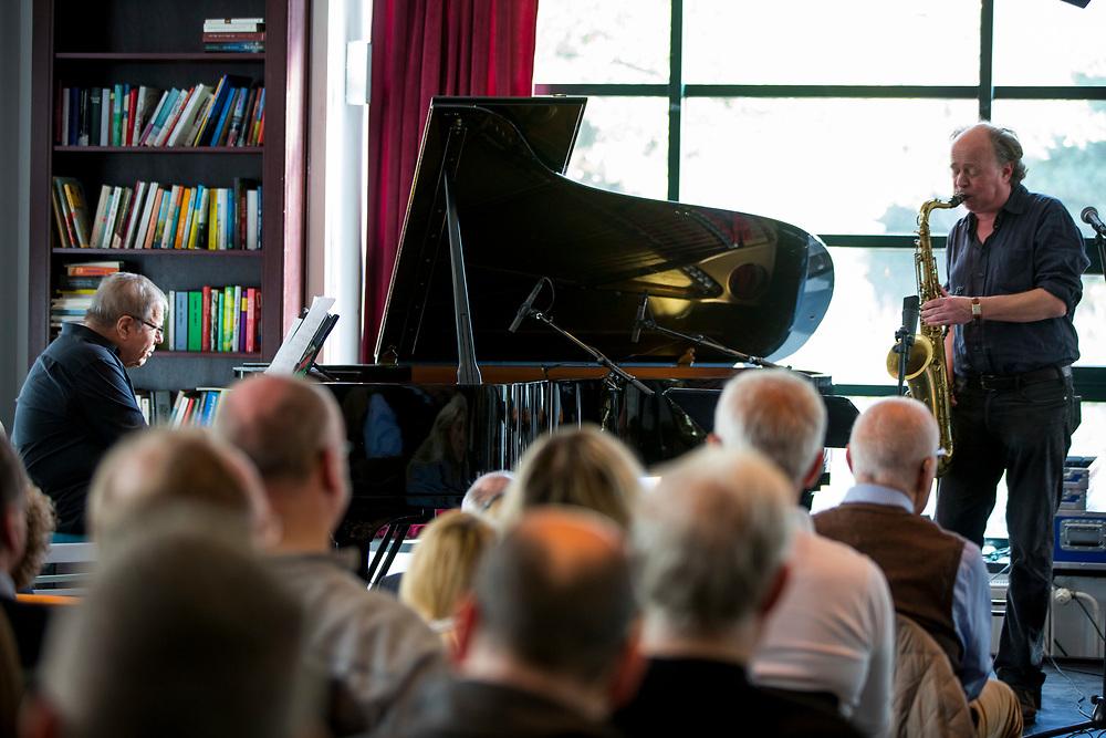 Frankfurt   Hessen   Deutschland   29.10.2017: Das 48. Deutsche Jazzfestival Frankfurt 2017<br /> <br /> hier: Matthias Nadolny / Bob Degen &bdquo;You&acute;re My Everything&ldquo;<br /> <br /> Matthias Nadolny   Tenorsaxophone<br /> Bob Degen   Piano<br /> <br /> <br />  <br /> Sascha Rheker<br /> 20171029<br /> <br /> [Inhaltsveraendernde Manipulation des Fotos nur nach ausdruecklicher Genehmigung des Fotografen. Vereinbarungen ueber Abtretung von Persoenlichkeitsrechten/Model Release der abgebildeten Person/Personen liegt/liegen nicht vor.]