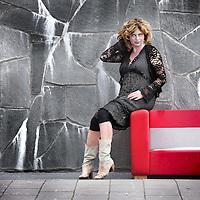 Nederland, Amsterdam , 12 september 2012..Annemiek Schrijver (Arnhem, 21 oktober 1964) is een Nederlands tv-presentator. Ze presenteert elke zondagmiddag live Alziend oog, een levensbeschouwelijk televisiemagazine, en op de zondagochtend Het Vermoeden..Foto:Jean-Pierre Jans