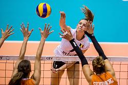23-08-2017 NED: World Qualifications Belgium - Netherlands, Rotterdam<br /> De Nederlandse volleybalsters hebben op het WK-kwalificatietoernooi ook hun tweede duel in winst omgezet. Oranje overklaste Belgi&euml; en won met 3-0 (25-18, 25-18, 25-22). Eerder werd Griekenland ook al met 3-0 verslagen / Linde Hervent #7 of Belgium
