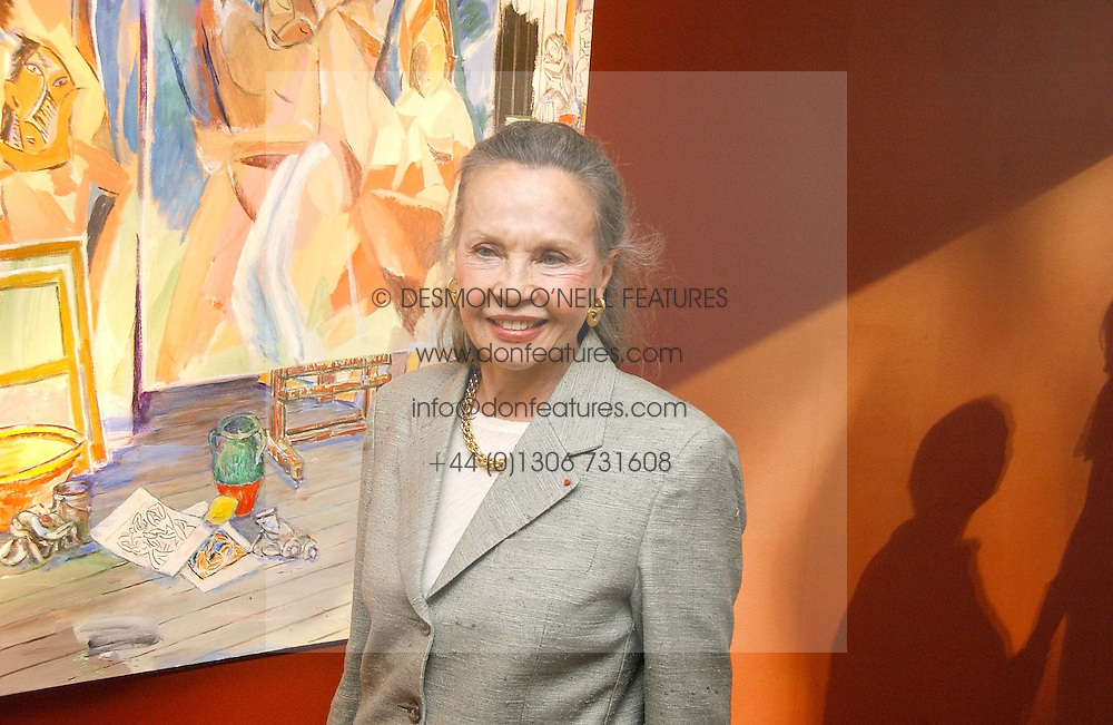 Actress LESLIE CARON at a private view of artist Damian Elwes work 'Artists Studios' held at Scream, 34 Bruton Street, London W1 on 29th June 2006.<br /><br />NON EXCLUSIVE - WORLD RIGHTS
