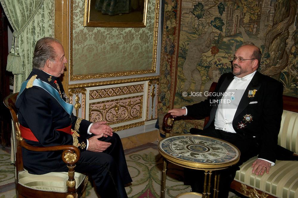 Rudolf Lennkh, Ambassador of the Republic of Austria is presented to Spanish King Juan Carlos I
