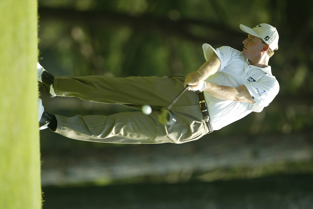 Ernie Els..2003 PGA Championship..First Round..Oak Hill CC..Rochester, NY..Thursday, August 14  2003..photograph by Darren Carroll
