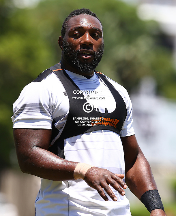 DURBAN, SOUTH AFRICA - JANUARY 17: Tendai Beast Mtawarira during the Cell C Sharks training at Growthpoint Kings Park on January 17, 2017 in Durban, South Africa. (Photo by Steve Haag/Gallo Images)