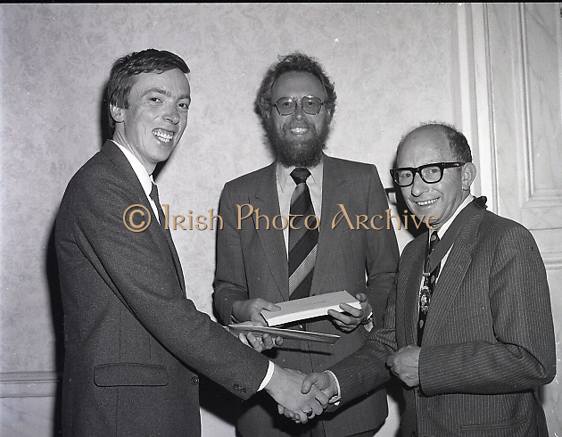 Presentation of certs to new members of I.C.M.A. at Shelbourne Hotel,27 St Stephen's Green, Dublin<br /> 15th May 1984