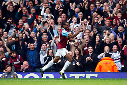 02.10.2010, Upton Park, London, ENG, PL, Tottenham Hotspur vs Aston Villa, im Bild Frederic Piquionne of West Ham United celebrates his goal. .Barclays Premier League, West Ham United v Fulham.. EXPA Pictures © 2010, PhotoCredit: EXPA/ IPS/ Kieran Galvin +++++ ATTENTION - OUT OF ENGLAND/UK +++++